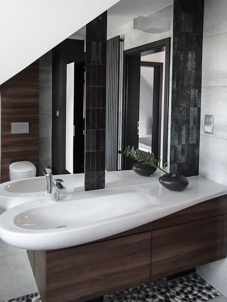 nowoczesny dom z czerwienią: styl , w kategorii Łazienka zaprojektowany przez Inspiration Studio