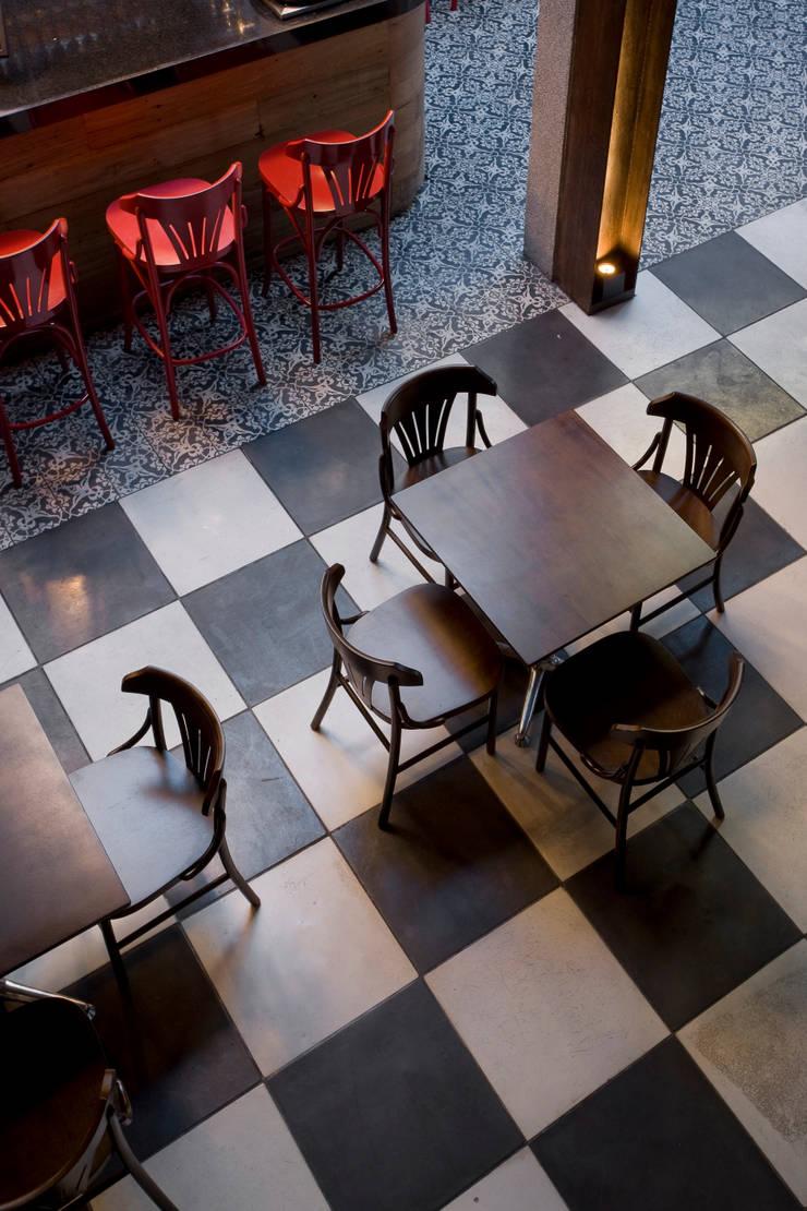 Detalhe Bares e clubes modernos por Fernanda Sperb Arquitetura e interiores Moderno