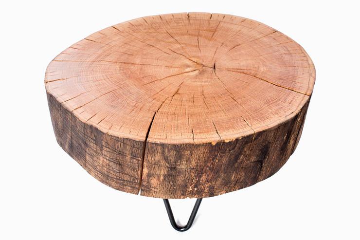 Stolik kawowy z drewna dębu - plaster. Onetree 10.: styl , w kategorii Salon zaprojektowany przez Onetree