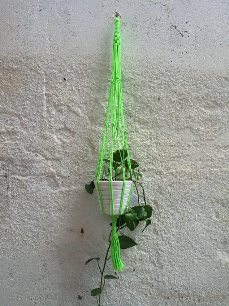 Colgador macramé verde.: Hogar de estilo  de Meublé