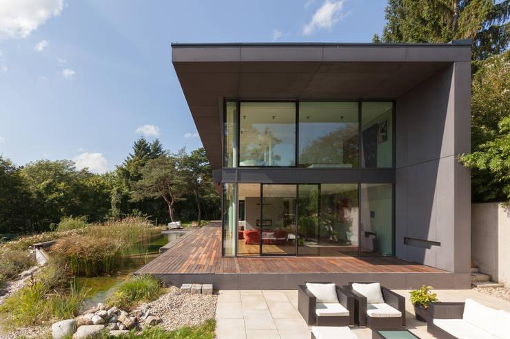 Case in stile in stile Minimalista di Architekt Zoran Bodrozic