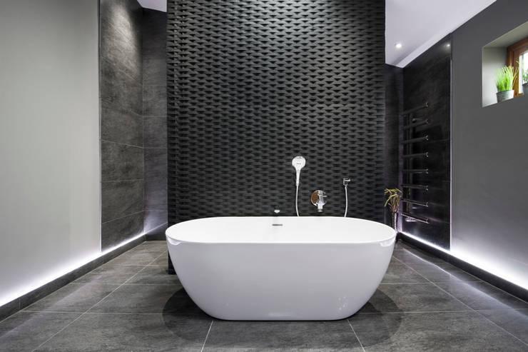 Bathroom by Lisa Melvin Design