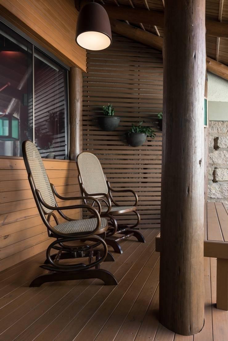 Patios & Decks by Kali Arquitetura, Modern