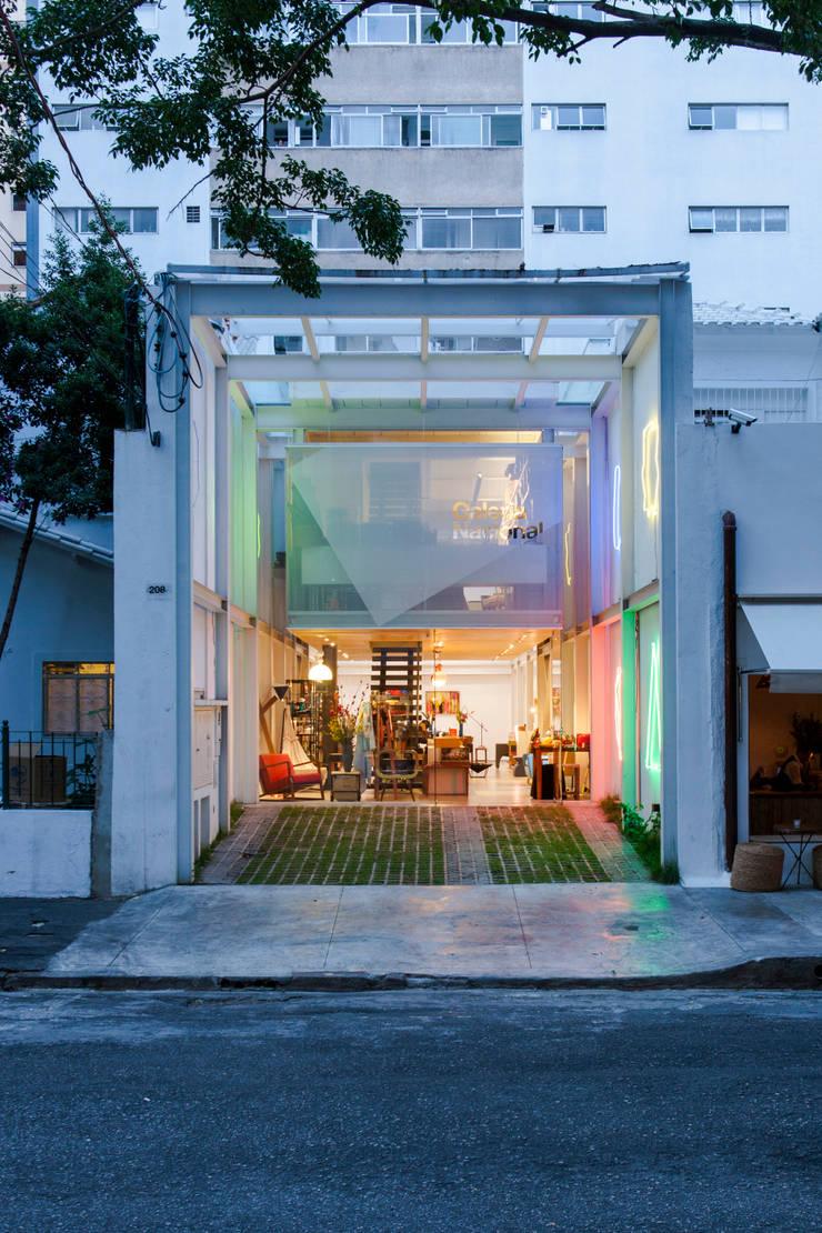 Galeria Nacional: Lojas e imóveis comerciais  por Zemel+ ARQUITETOS