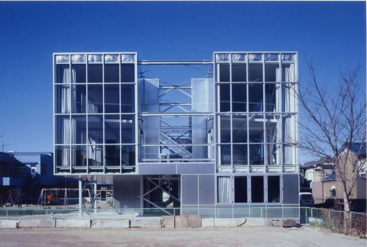 南側外観 モダンな 家 の 井戸健治建築研究所 / Ido, Kenji Architectural Studio モダン
