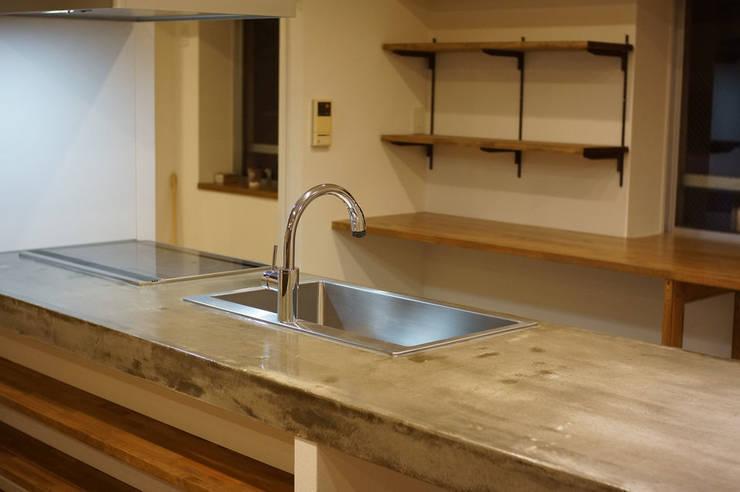 キッチン: ASTERが手掛けたキッチンです。