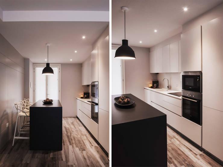 cucina: Cucina in stile in stile Moderno di studiooxi
