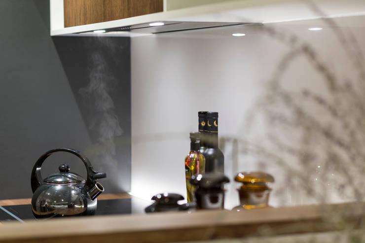 Mieszkanie – Warszawa – 45 m2: styl , w kategorii Kuchnia zaprojektowany przez Mprojekt