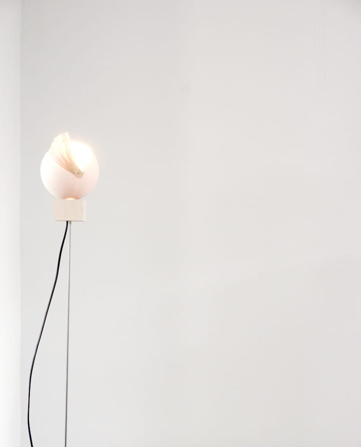 Ball lamp:   door Charlotte Jonckheer, Scandinavisch