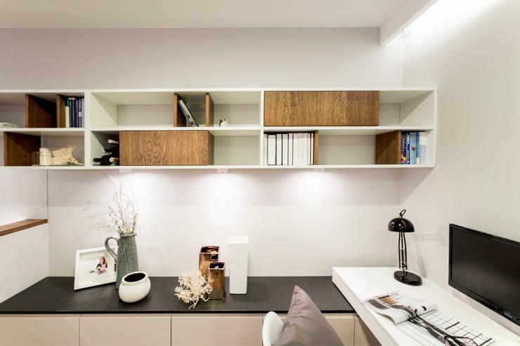 Mieszkanie – Warszawa – 45 m2: styl , w kategorii Salon zaprojektowany przez Mprojekt