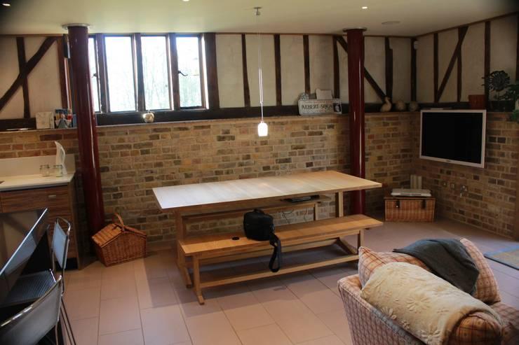 Barn Conversion:  Kitchen by Studio3Kitchens