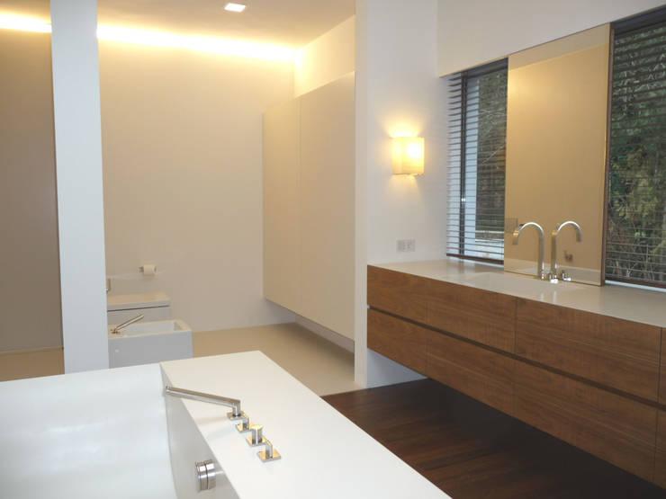 Badezimmer: moderne Badezimmer von GESSNER INNENARCHITEKTUR
