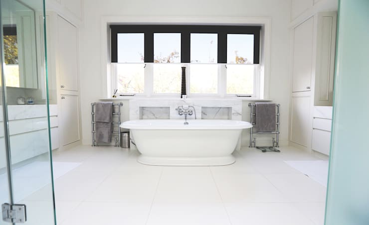 Badezimmer von Drummonds Bathrooms
