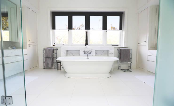 Drummonds Case Study: Tudor House, Roehampton: modern Bathroom by Drummonds Bathrooms