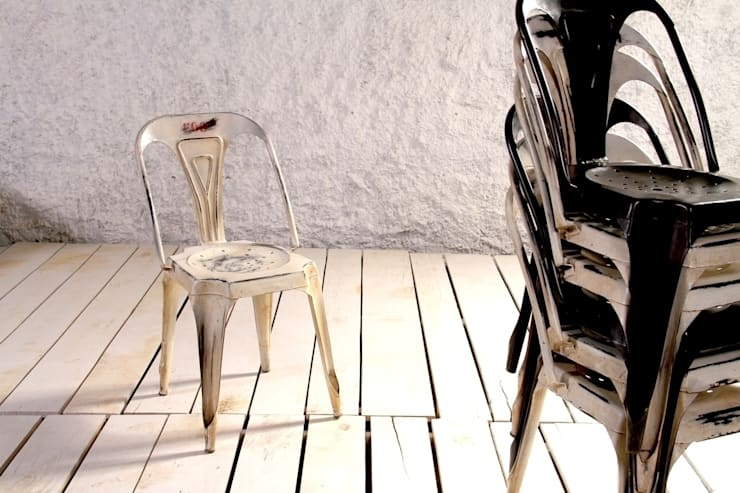 Hyatt Industrial Bakers Cafe Chair - Vintage Black and Vintage Off White: industrial Kitchen by Little Tree Furniture