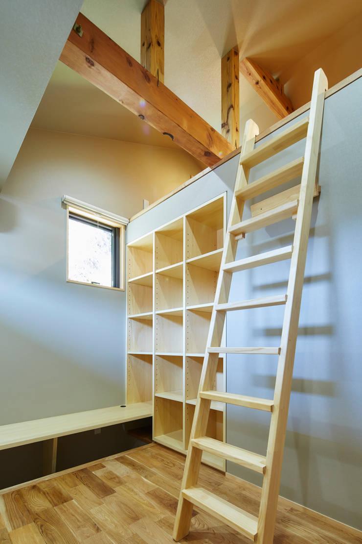 個室: 川良昌宏建築設計事務所 Kawara Masahiro Architect Officeが手掛けたです。