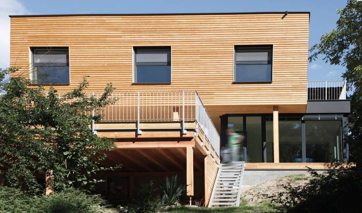 Gesamtansicht vom Garten:  Häuser von urban-filter.com