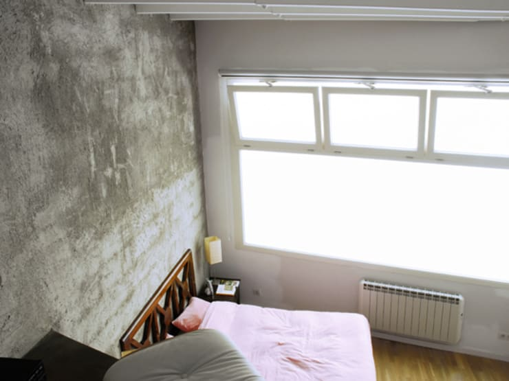 RUSTYIRON: Dormitorios de estilo  de Sucursal urbana universo Sostenible