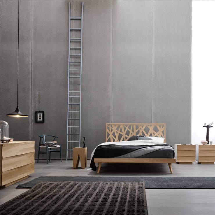 Nest Bed: Camera da letto in stile  di Lovli s.r.l.