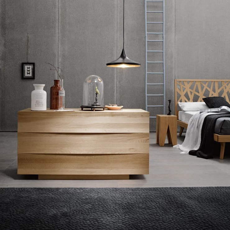 FOREST DRESSER: Camera da letto in stile in stile Industriale di Lovli s.r.l.