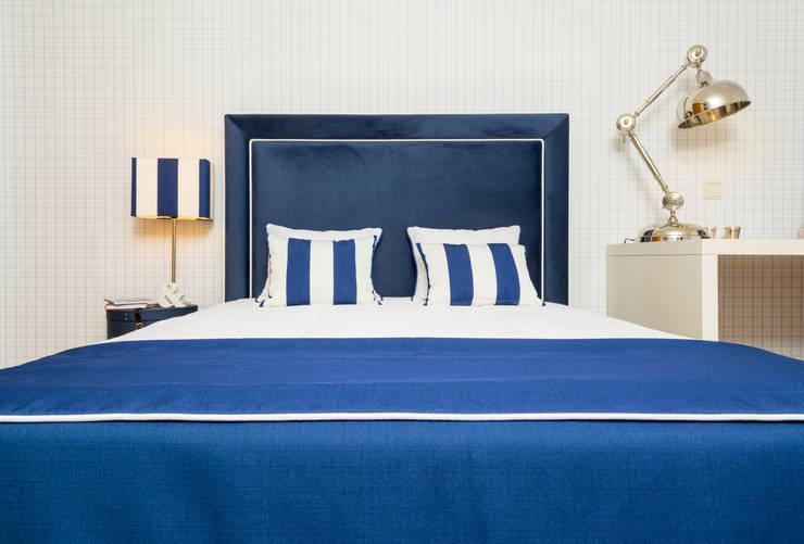 Quarto Jovem Guimarães - Azul: Quartos ecléticos por Ângela Pinheiro Home Design