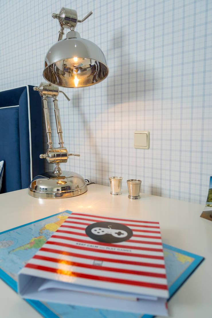 Quarto Jovem Guimarães - Azul: Quartos  por Ângela Pinheiro Home Design
