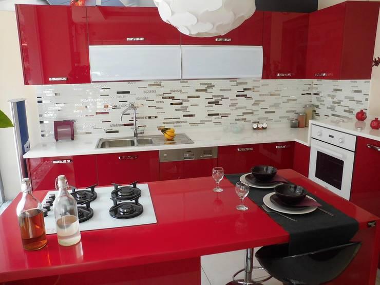 FMS Mobilya Deco – Teşhir: modern tarz Mutfak