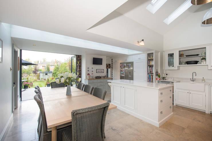 Doma architects - kitchen garden - view of garden: modern Kitchen by doma architects