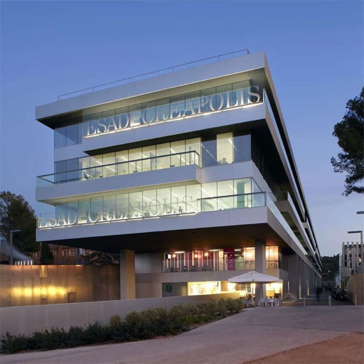ESADE Creapolis. Sant Cugat del Vallés. 2010: Edificios de oficinas de estilo  de Deu i Deu