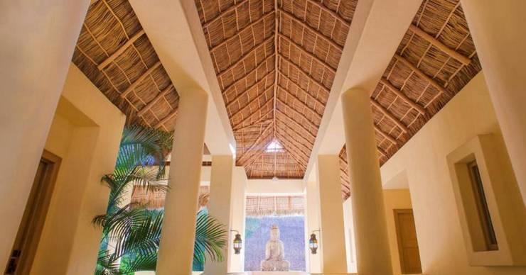 Casa Aramara: Pasillos y recibidores de estilo  por BR  ARQUITECTOS