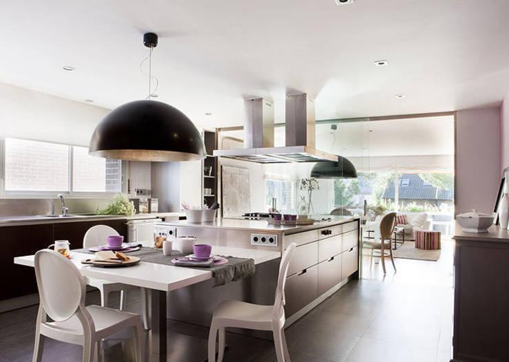 Кухни в . Автор – Deu i Deu