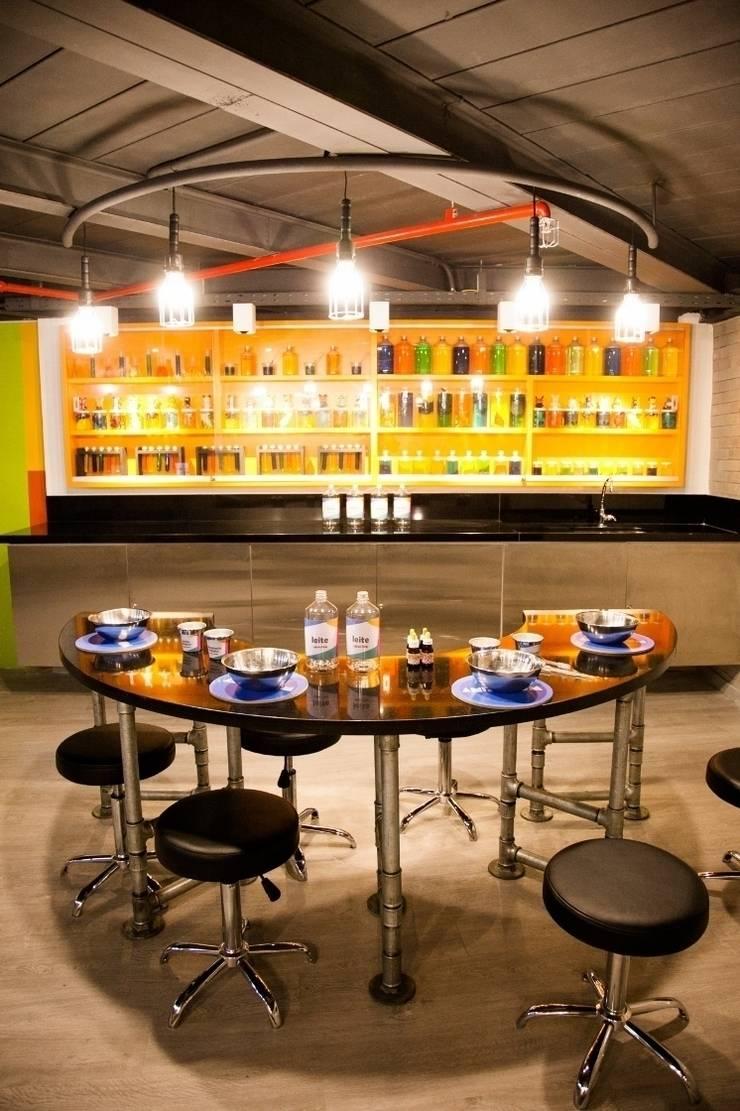 Animasom Fashion Mall: Locais de eventos  por Oba! Arquitetura