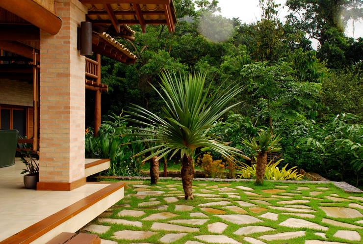 Сады в . Автор – Gil Fialho Paisagismo