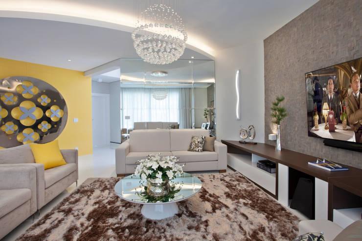 Salas de estar modernas por Designer de Interiores e Paisagista Iara Kílaris Moderno
