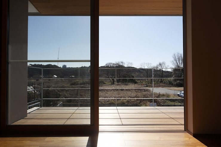 Balcon, Veranda & Terrasse modernes par 近建築設計室 KON Architect Office Moderne