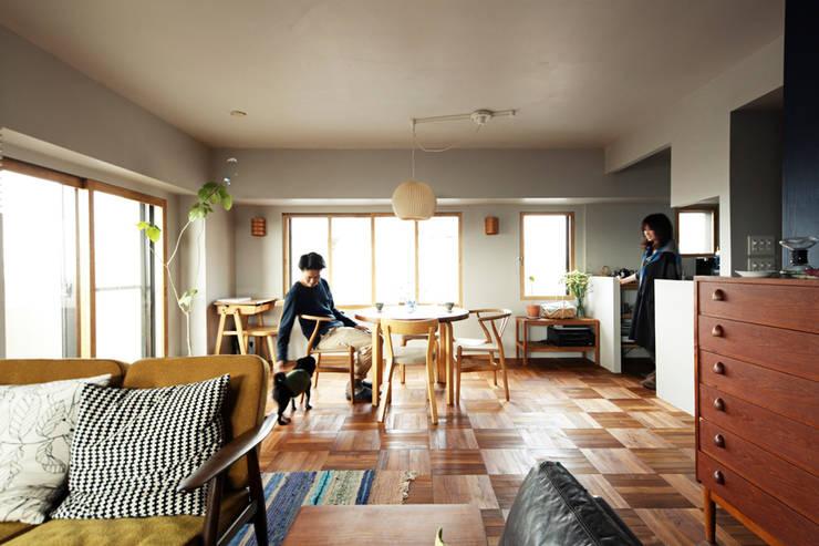 トリミングルーム: 稲山貴則 建築設計事務所が手掛けたダイニングです。