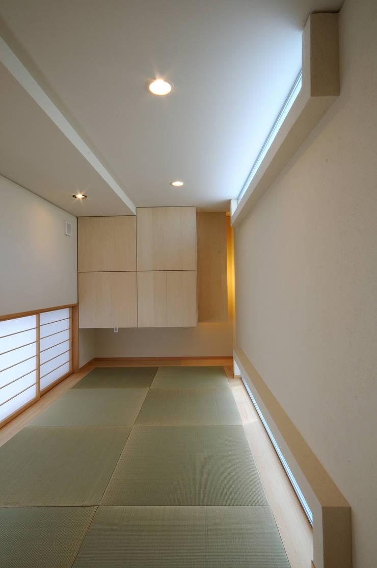 White Composition: 一級建築士事務所 AXISが手掛けた和室です。