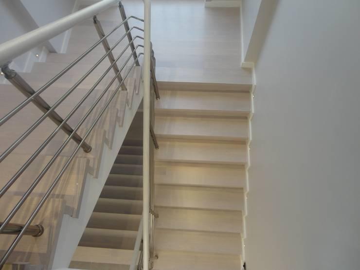 Vizyon Mimarlık ve Dekorasyon – M.G Evi / Kırklareli:  tarz Koridor, Hol & Merdivenler