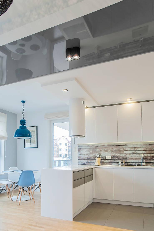 s k a n d y n a w s k i  b ł ę k i t: styl , w kategorii Kuchnia zaprojektowany przez DK architektura wnętrz