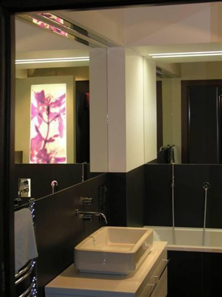 łazienka: styl , w kategorii Łazienka zaprojektowany przez ARTEFEKT