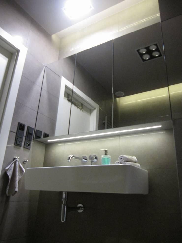 Bathroom by ARTEFEKT,