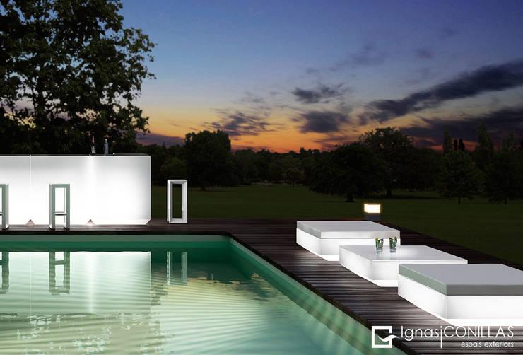 Muebles para exterior  VONDOM: Jardín de estilo  de CONILLAS - exteriors