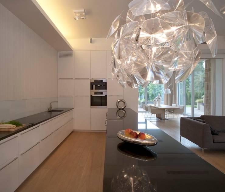 KUCHNIA: styl , w kategorii  zaprojektowany przez Exit Pracownia Projektowa