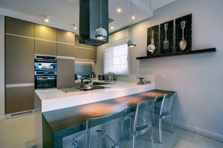 c e g ł a  w e  w n ę t r z u: styl , w kategorii Kuchnia zaprojektowany przez DK architektura wnętrz