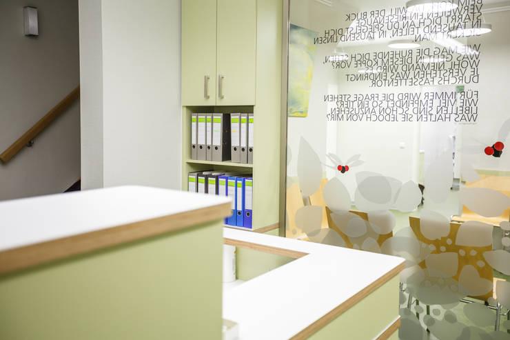 Кабинеты врачей в . Автор – Werkstätte Berndt GmbH, Модерн