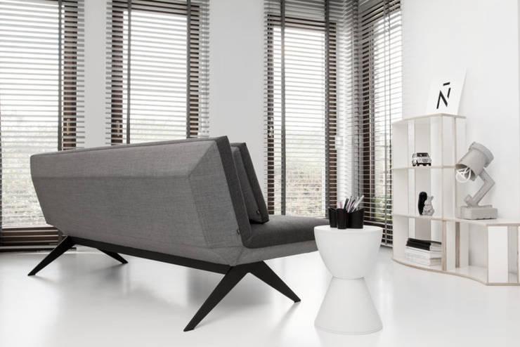 LCD, projekt Renata Kalarus, 2012: styl , w kategorii Sypialnia zaprojektowany przez NOTI