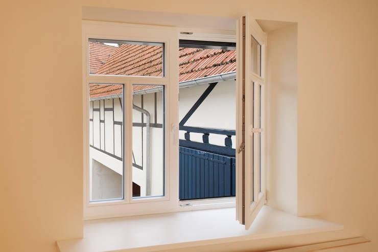 Fenster:  Fenster von Baugeschäft Heckelsmüller