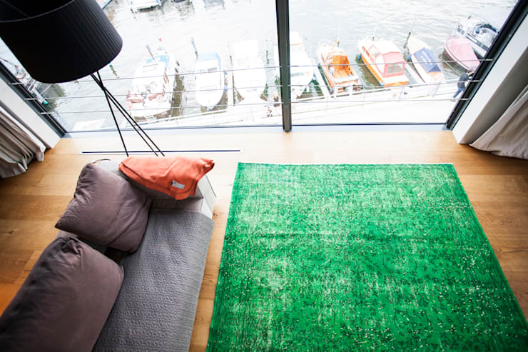 KIM LAYANI Teppiche/ Carpets: modern tarz Oturma Odası