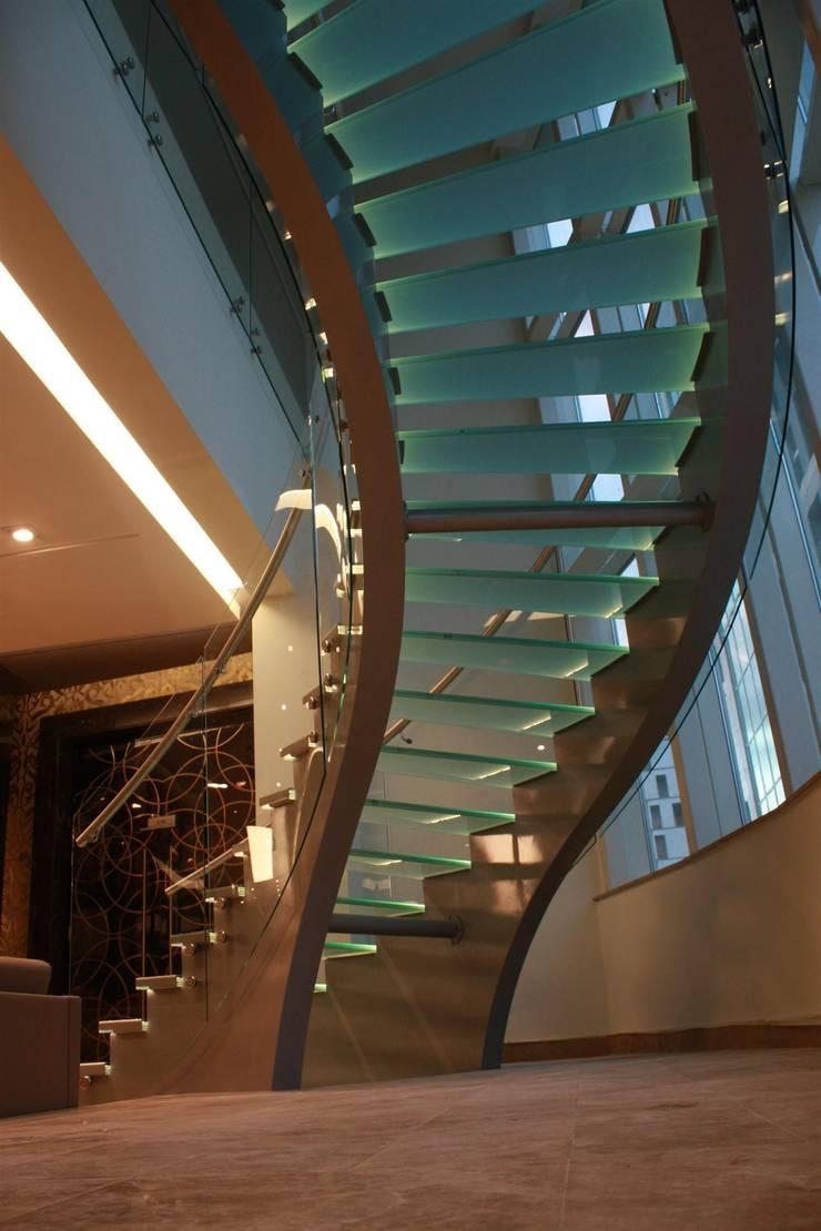 Visal Merdiven – Kemerburgaz Üniversitesi - İstanbul:  tarz Koridor, Hol & Merdivenler