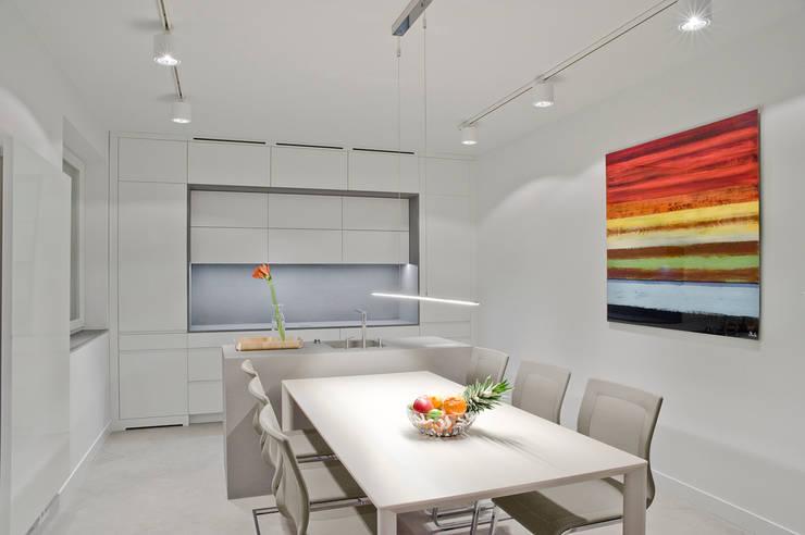 Minimalistycznie.: styl , w kategorii Kuchnia zaprojektowany przez 4ma projekt